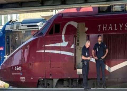 إخلاء قطار من ركابه بسبب رجل حبس نفسه في المرحاض