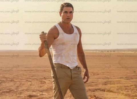 """""""عز"""" يغادر مقر النيابة بعد الإدلاء بأقواله في مشاجرة شقيقة زينة"""