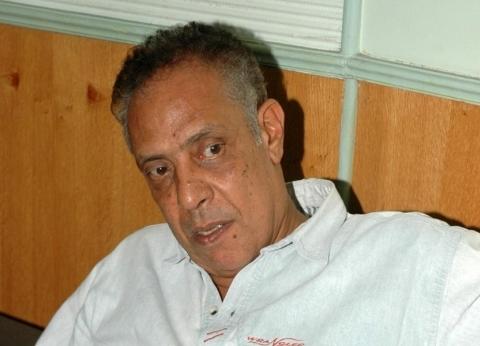 نبيل الحلفاوي يطالب جماهير الأهلي بدعم شريف إكرامي