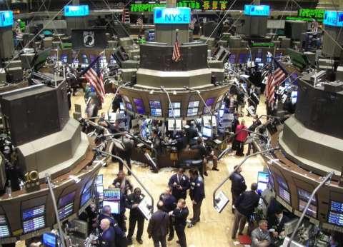 خبراء اقتصاد: فوز «ترامب» يعنى «انهيار الأسواق العالمية»