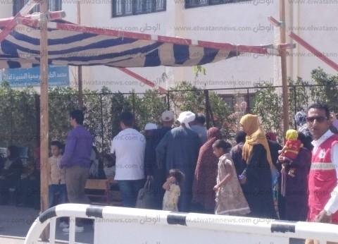 بدء الاستفتاء وسط إقبال كثيف من المواطنين على لجان البحر الأحمر