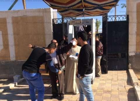 إجراءات أمنية مشددة وتفتيش ذاتي للناخبين في جنوب سيناء