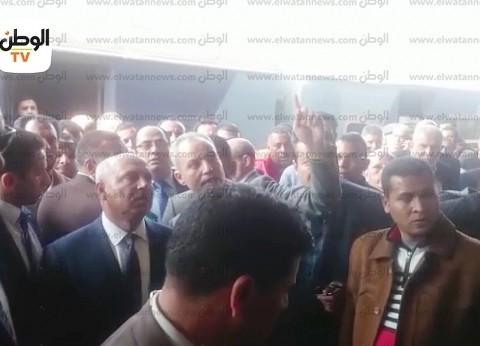 """أديب يبرز فيديو """"الوطن"""" عن زيارة كامل الوزير لمحطة مصر: """"هيفضل وراهم"""""""