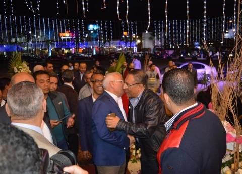 محافظ بورسعيد يشارك المواطنين احتفالات ليلة شم النسيم
