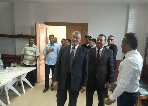 رئيس محكمة البحر الأحمر يتفقد سير العملية الانتخابية بعدد من اللجان