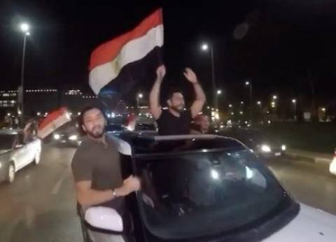بالفيديو| تامر حسني يحتفل بتأهل مصر لكأس العالم على طريقته الخاصة