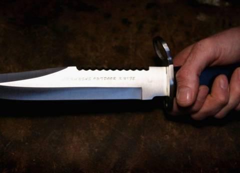 أخرج سكينه وانتقم لشرفه.. شاب يذبح شقيقته أمام منزلهما في الحوامدية