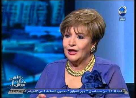 """سناء منصور أول الحضور في افتتاح """"الأقصر الأفريقي"""""""
