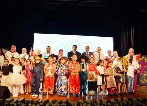محافظ القليوبية يشهد الاحتفالية الأولى لتخرج المدارس الرسمية الدولية