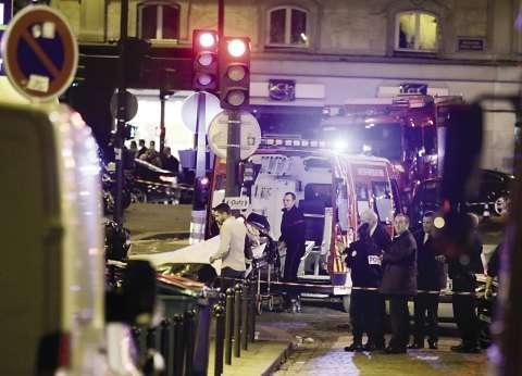 """128 عملية مداهمة في فرنسا أمس على خلفية """"هجمات باريس"""""""