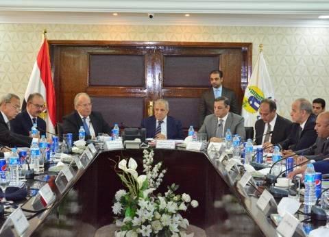 """""""عشماوي"""": إصدار أول دليل استرشادي للمحافظات في استرداد أراضي الدولة"""