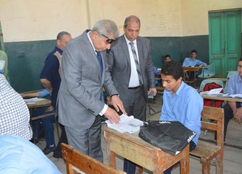 """وكيل """"تعليم المنيا"""": بعض المدارس نجحت في أداء الامتحان بالتابلت"""