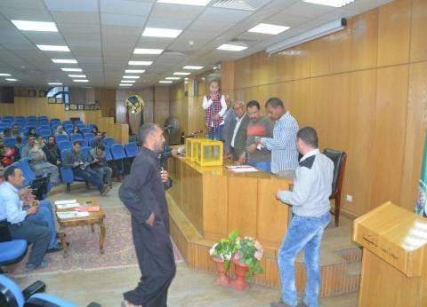 تسليم 26 وحدة سكنية للأولى بالرعاية بأبو قرقاص في المنيا