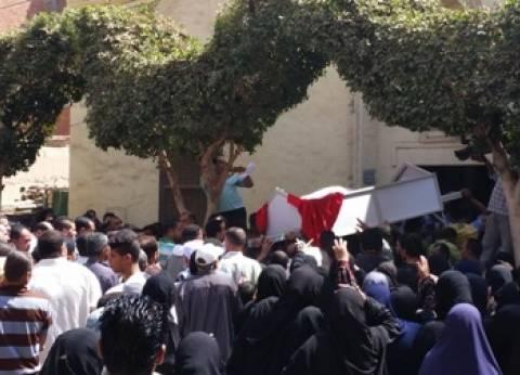"""وصول جنازة شهيد """"مشتهر"""" لبدء الجنازة العسكرية"""