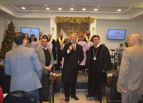 محافظ البحر الأحمر يشارك الكنيسة الإنجيلية الاحتفال بعيد الميلاد