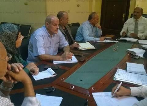 """رئيس """"مياه القناة"""" يوجه بتوعية أهالي القرى بشأن العدادات والفواتير"""