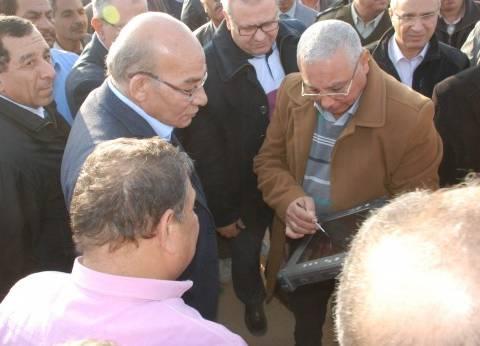 وزير الزراعة يتفقد مشروع استزراع الـ20 ألف فدان غرب المنيا