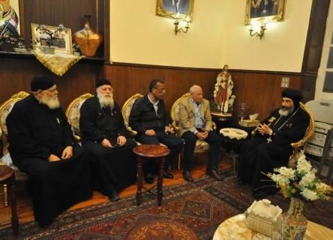 بالصور| محافظ بورسعيد يقدم التعازي في ضحايا الكنيستين