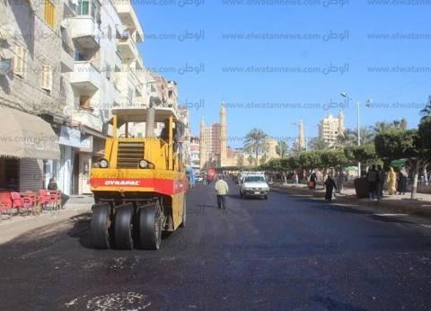 بالصور| رصف ورفع كفاءة عدد من شوارع وميادين دسوق بكفر الشيخ