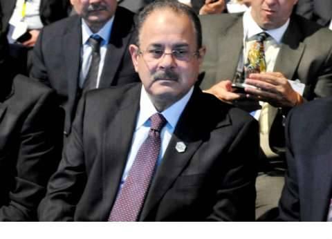 وزير الداخلية يجدد الثقة في مساعده للأمن العام