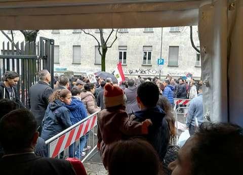 بالصور| إقبال شديد للمصريين بإيطاليا على التصويت في الساعات الأخيرة