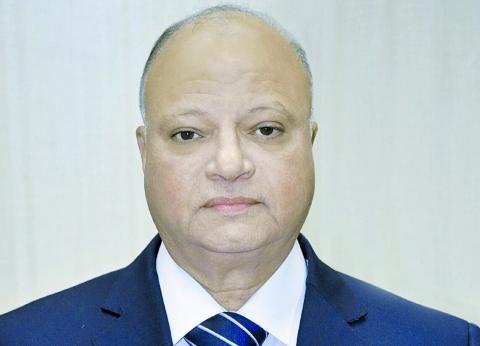 محافظ القاهرة لرؤساء الأحياء: حافظوا على أراضي الدولة المستردة