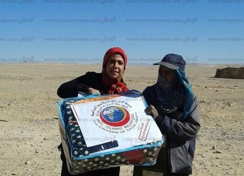 بالصور| القوات المسلحة توزع كراتين مواد غذائية على المحتاجين بجنوب سيناء