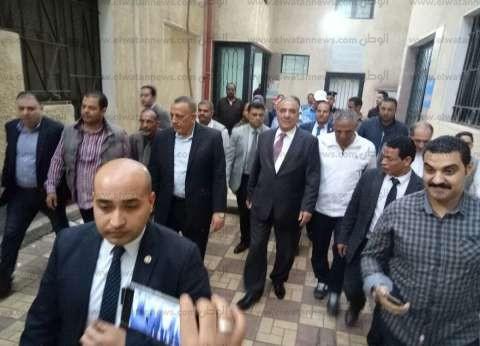 الجندي والدالي يتفقدان لجنة مدرسة الشهيد هشام شتا