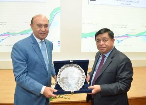 مميش يبحث مع وفدا فيتناميا فرص التعاون والاستثمار في منطقة قناة السويس