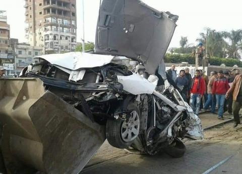 بالصور| إصابة 3 أشخاص في حادث تصادم سيارة ملاكي بمؤخرة قطار بأشمون