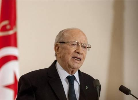 """رئيس تونس يطالب بوضع حد لحزب إسلامي هدد بـ""""قطع الرؤوس"""""""