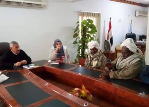 رئيس القصير يلتقي عربان وشيوخ قرية الشيخ مالك لبحث مطالبهم