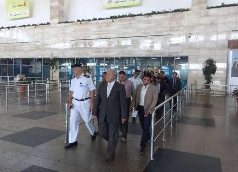 ضبط راكب عرض رشوة مالية على أمن مطار القاهرة لتمرير حقائبه دون تفتيش
