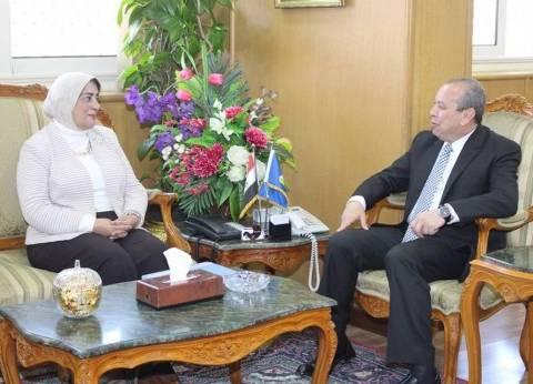 محافظ دمياط يلتقي نائب وزير الصحة لمناقشة الخطة القومية لرفع الوعي المجتمعي