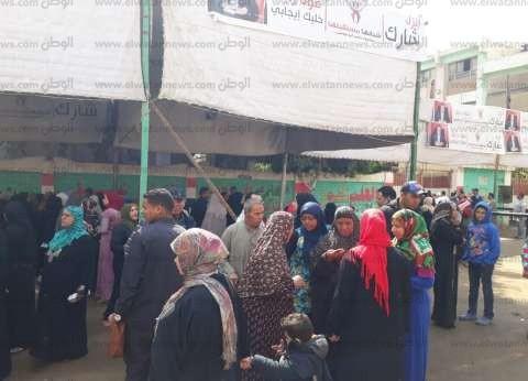 في آخر أيام الاستفتاء.. أهالي كرداسة وناهيا يواصلون المشاركة بالتصويت