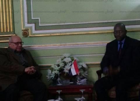جامعة عين شمس تبحث سبل التعاون مع السنغال