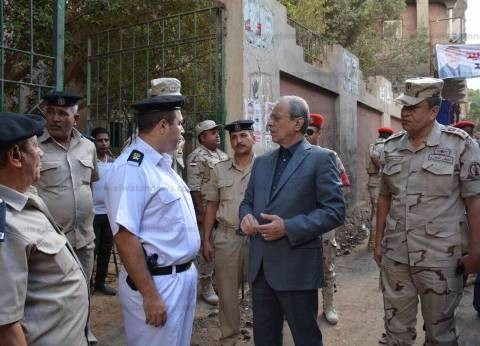 محافظ المنيا يتفقد اللجان الانتخابية بمركزي مغاغة ومطاي