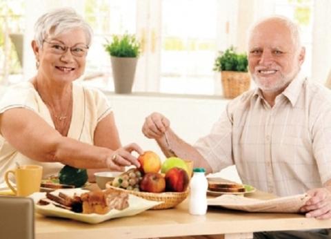دراسة: تغيير في الطعام يبعد عن مرض السرطان ويطيل الحياة