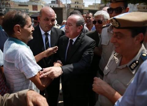"""محافظ كفر الشيخ يلتقي أصحاب المحال بـ""""الإبراهيمي"""" قبل تطوير الميدان"""