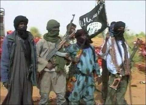 قيادي بارز بتنظيم القاعدة في اليمن يسلم نفسه إلى قوات الجيش