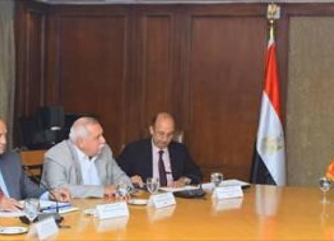 """عودة القطن المصري.. 6 محاور """"تغزل"""" خطة مصر للنهوض بصناعة النسيج"""