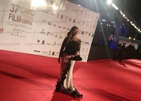 اللون الأسود يستحوذ على فساتين نجوم افتتاح مهرجان القاهرة السينمائي