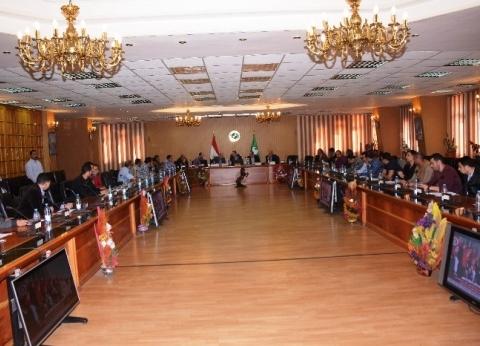 محافظ الشرقية يتابع غرفة العمليات لمتابعة الاستفتاء على الدستور