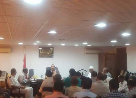 رئيس مدينة سفاجا يناقش استعدادات مواجهة الأمطار والسيول
