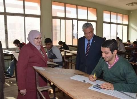 نائب رئيس جامعة المنوفية للتعليم والطلاب يتفقد امتحانات بعض الكليات