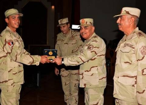 """""""المصريين الأحرار"""" يهنئ وزير الدفاع بالذكرى الـ36 لعيد تحرير سيناء"""