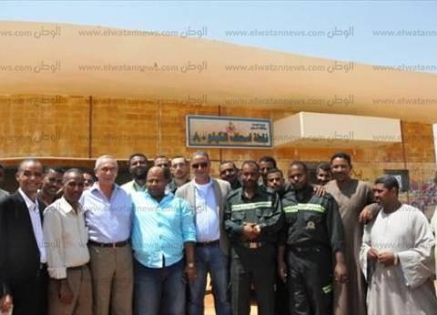"""محافظ أسوان و""""الأنصاري"""" يتفقدا نقاط إسعاف الطريق الصحراوي"""