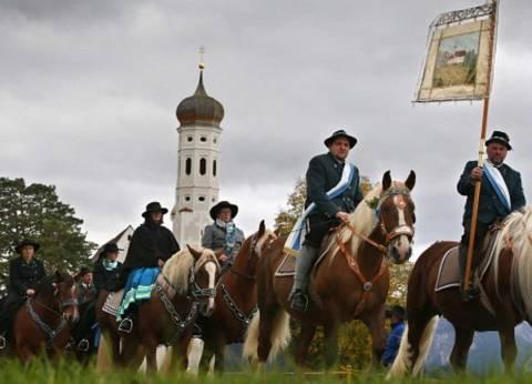 بالصور| ألمانيا تحيي تراثها باحتفال سنوي بـ«الخيول»