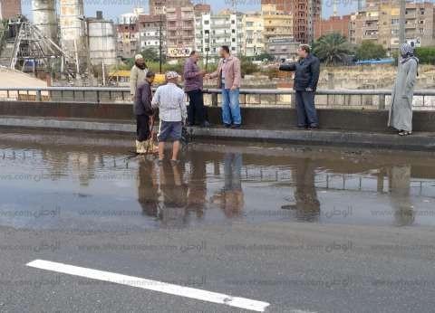 """رئيس """"إيتاى البارود"""" يتابع سحب مياه الأمطار من الشوارع والطريق الزراعي"""