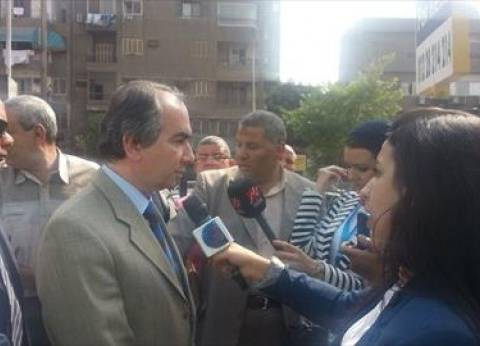 """""""العادلي"""" يدلي بصوته.. ويؤكد: ضعف الإقبال بسبب تواجد الموظفين في أعمالهم"""